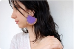 medallion_earrings_model_1